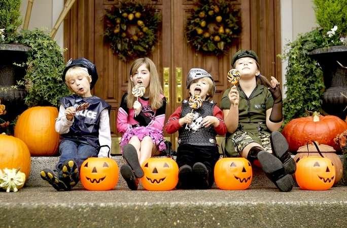 kids_eating_treats_h
